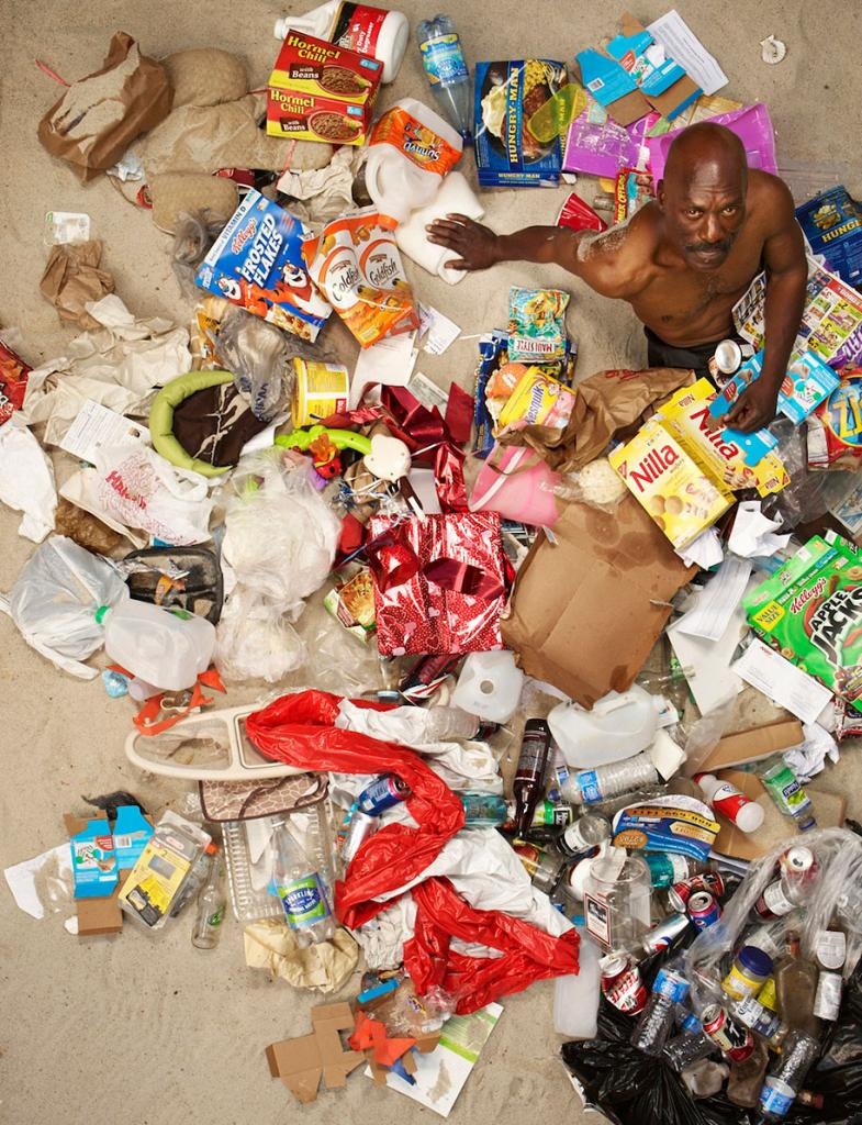 7-days-of-garbage-environmental-issues-photography-gregg-segal-5