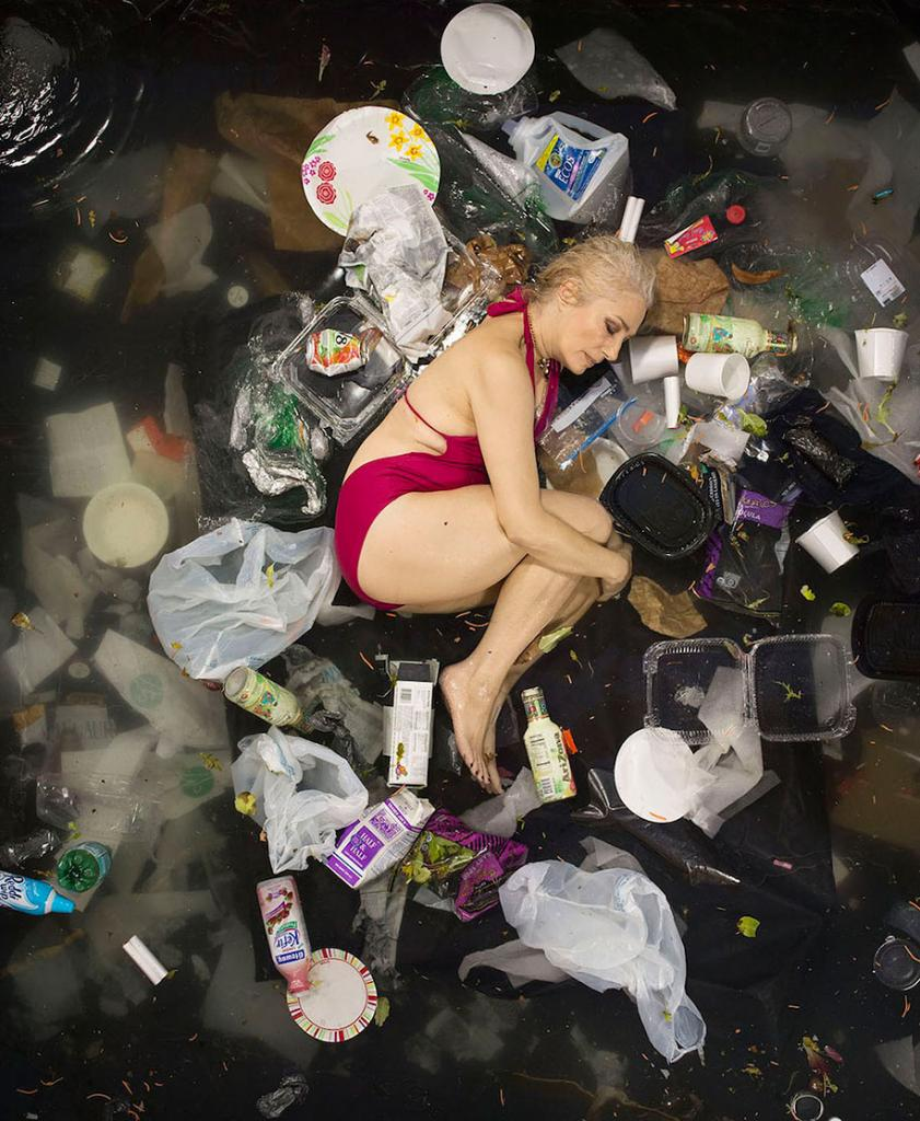 7-days-of-garbage-environmental-issues-photography-gregg-segal-7