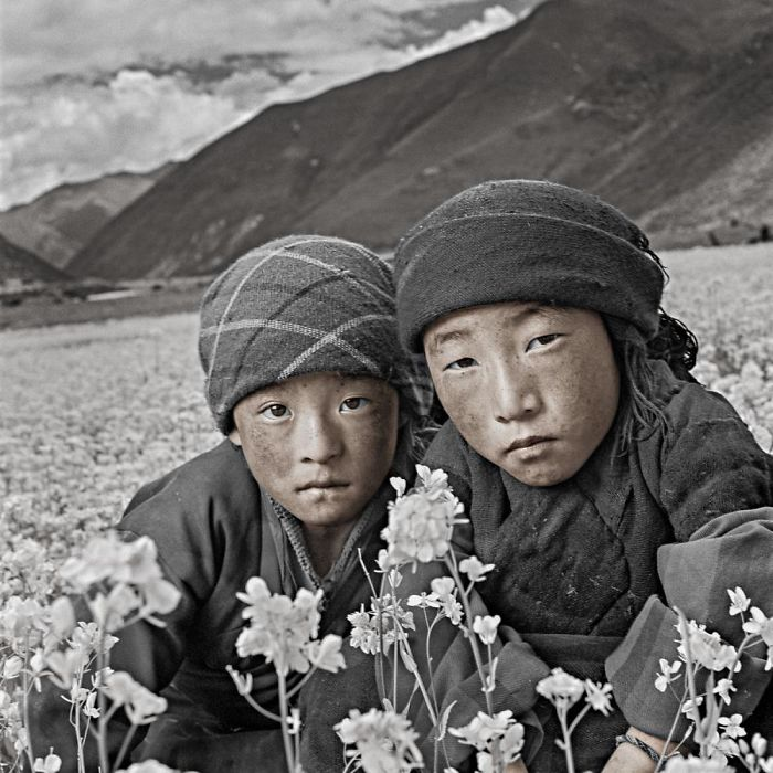 top-10-photographers-for-travel-portraits35__700