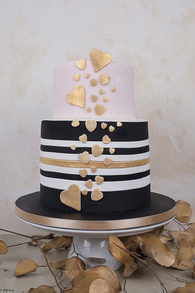 wedding-couture-cakes10__880