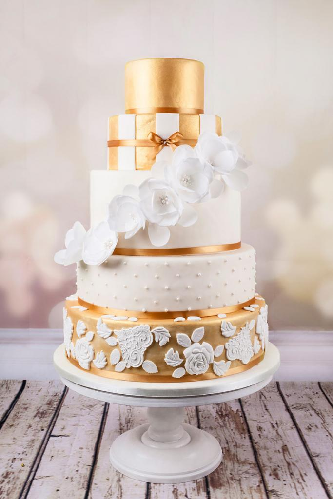 wedding-couture-cakes16__880