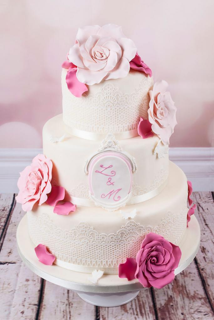 wedding-couture-cakes17__880