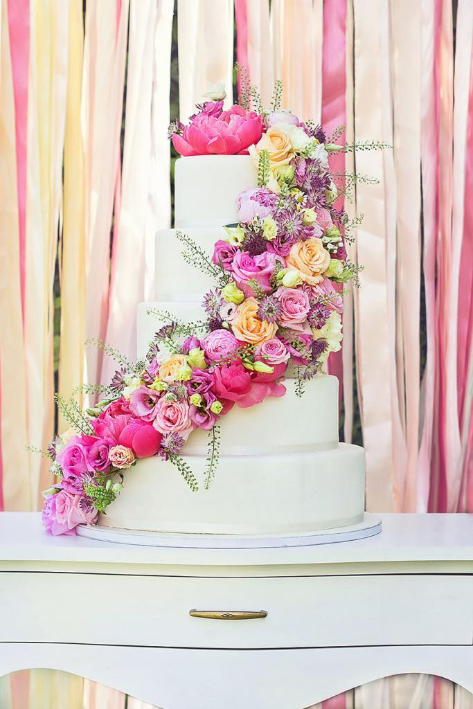 wedding-couture-cakes18__880