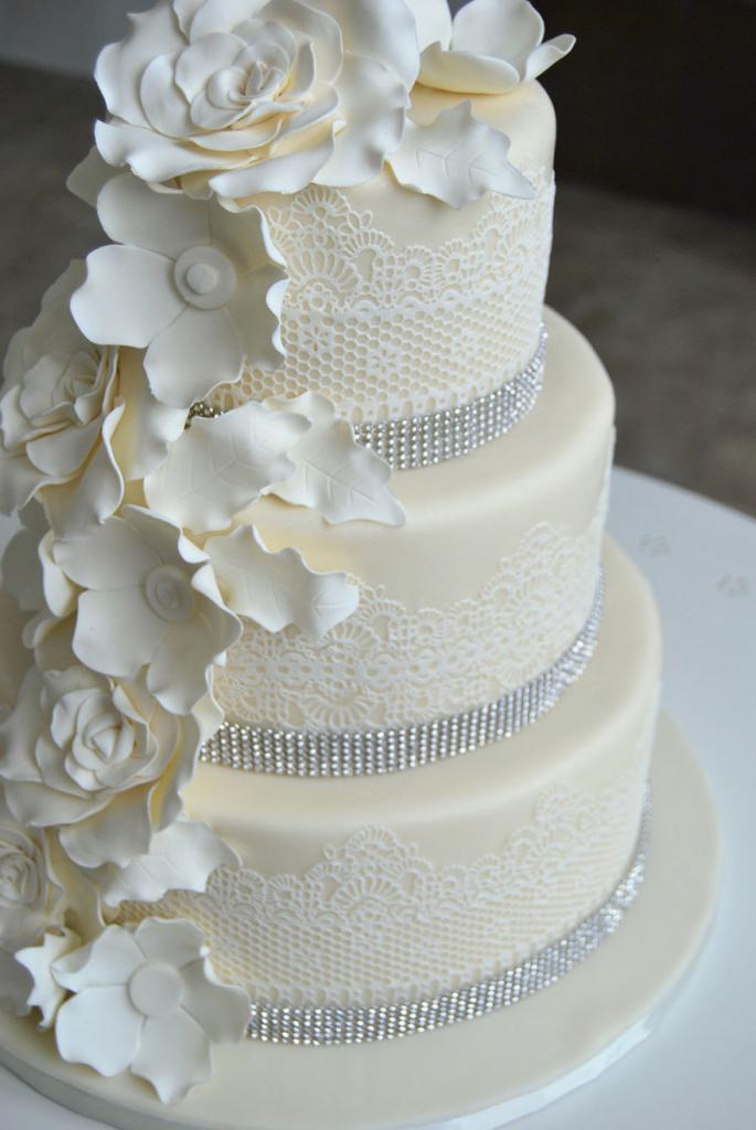 wedding-couture-cakes22__880