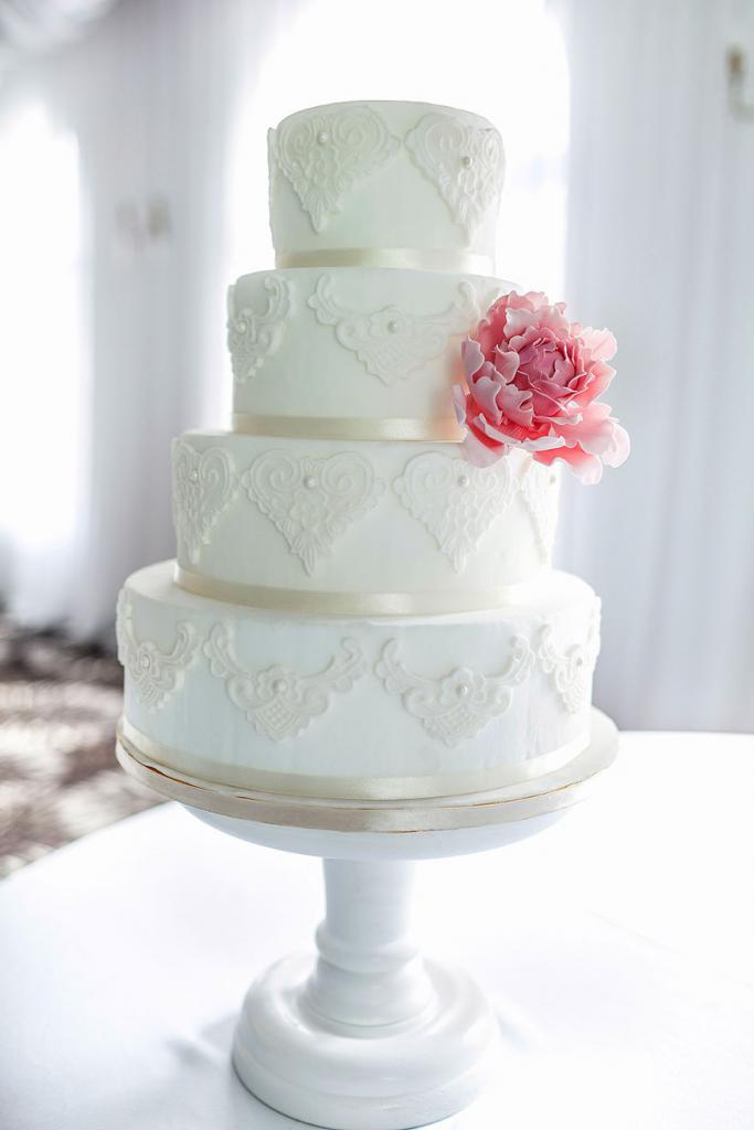 wedding-couture-cakes34__880