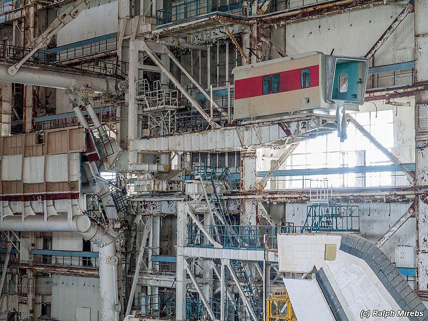 abandoned-soviet-space-shuttle-hangar-buran-baikonur-cosmodrome-kazakhstan-ralph-mirebs-27