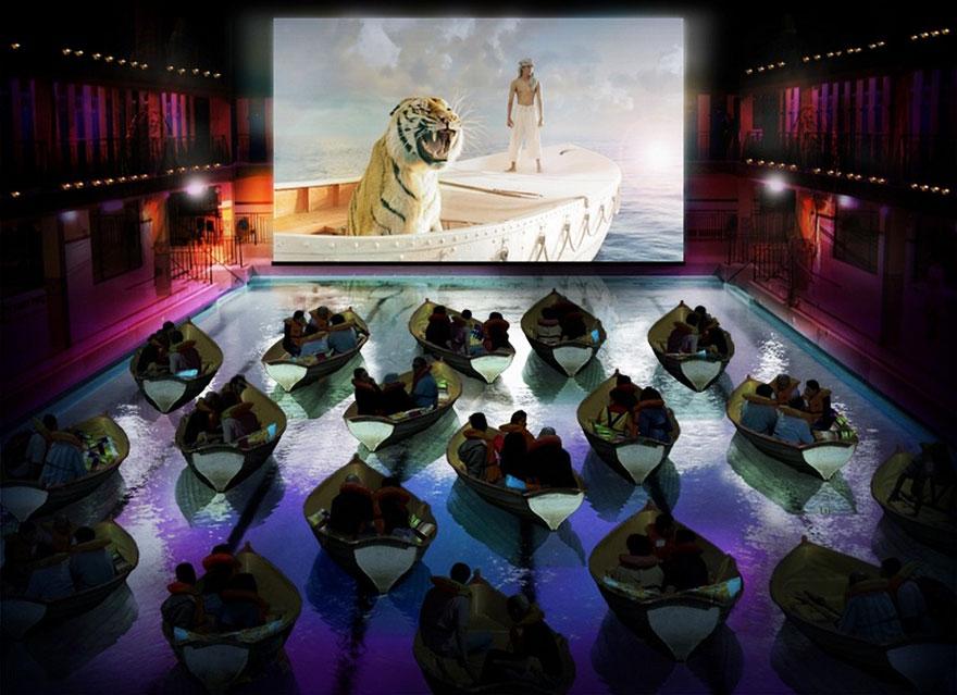 Кинотеатр в бассейне Пириж