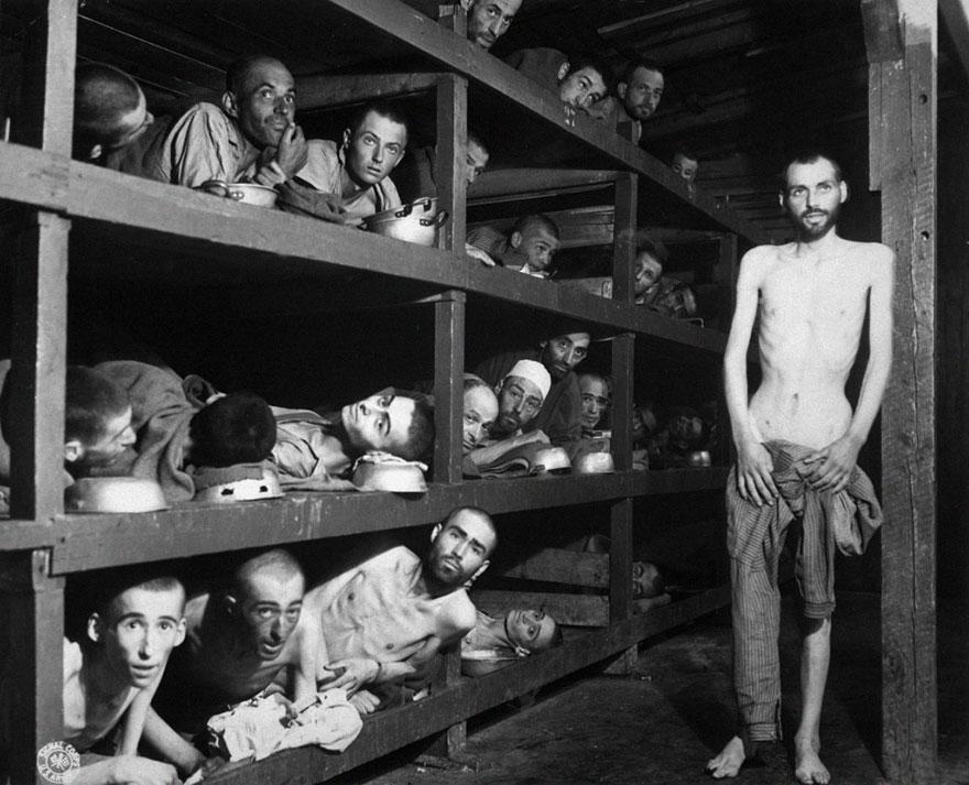 Узники концентрационного лагеря Бухенвальда, 16 апреля 1945 года