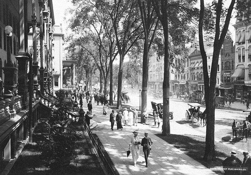 У отеля Саратога-Спрингс в Нью-Йорке, 1900-1915 гг