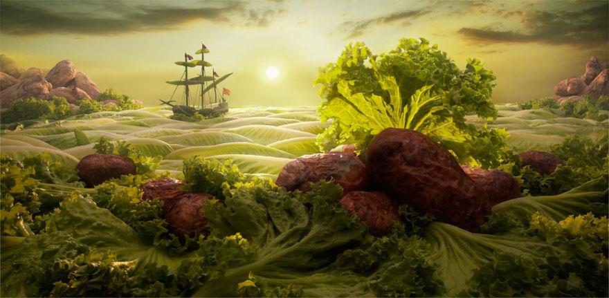 Морской пейзаж из латука