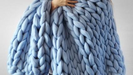 Вязанные покрывала и свитера, которые поразят своими размерами