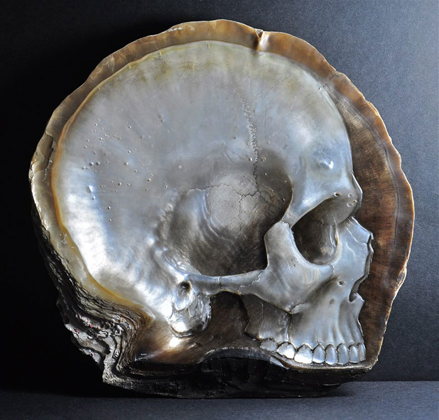 mother-of-pearl-shell-skull-carving-gregory-halili-1
