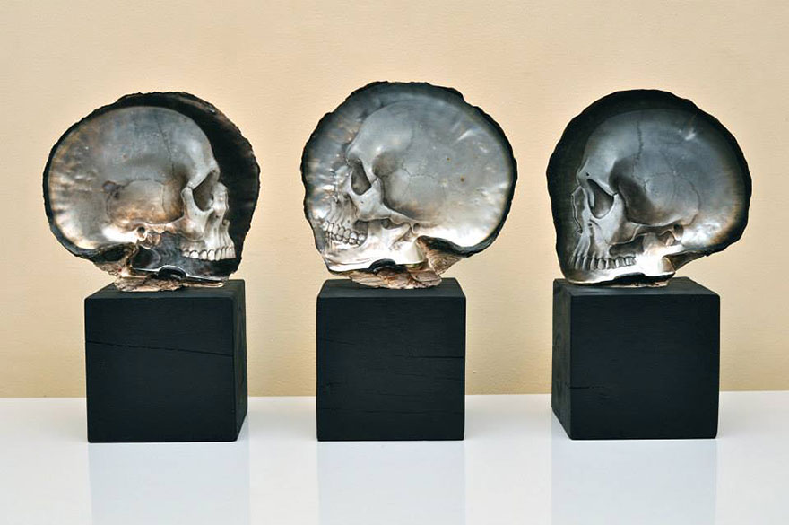 mother-of-pearl-shell-skull-carving-gregory-halili-10