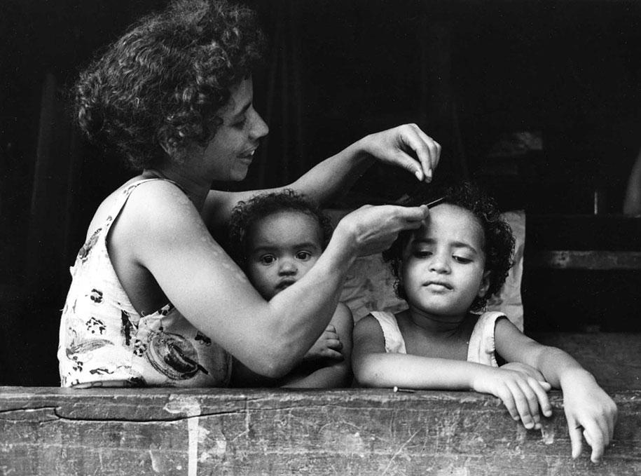 mothers-childhood-photography-family-ken-heyman-13