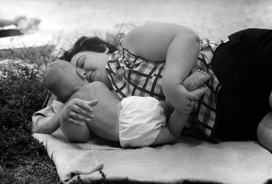 mothers-childhood-photography-family-ken-heyman-7