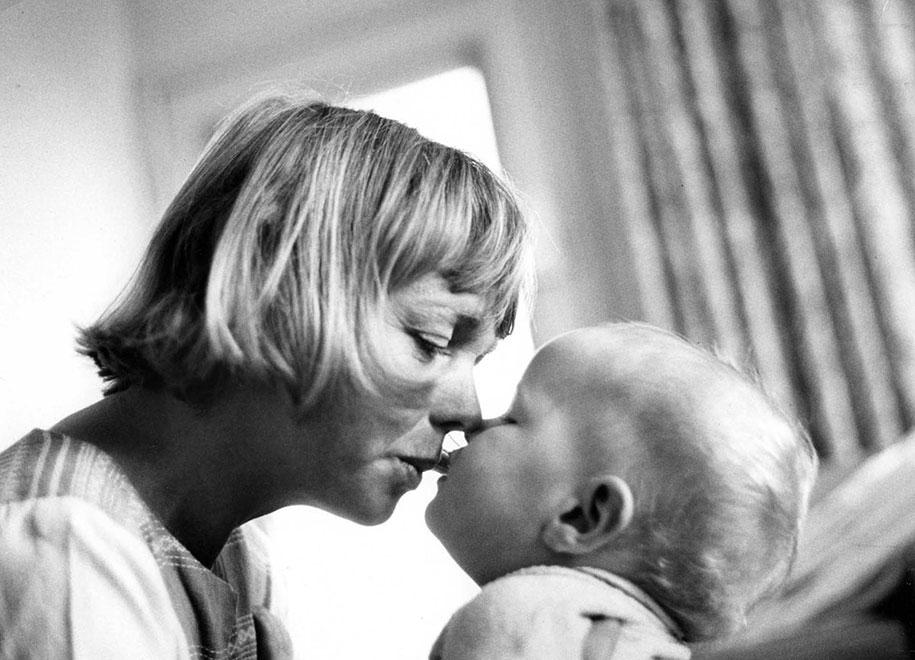 mothers-childhood-photography-family-ken-heyman-9