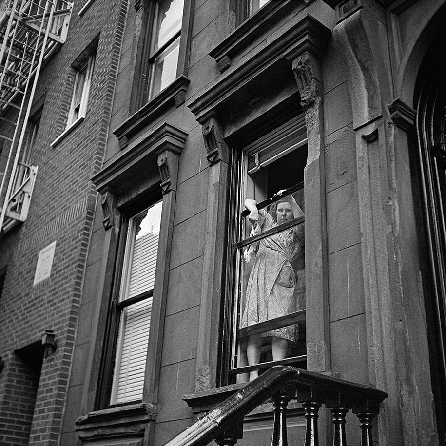 new-york-chicago-street-photography-vivian-maier-23