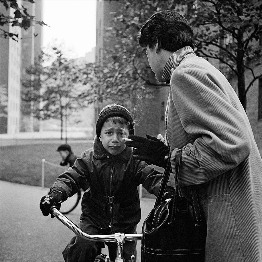 new-york-chicago-street-photography-vivian-maier-24