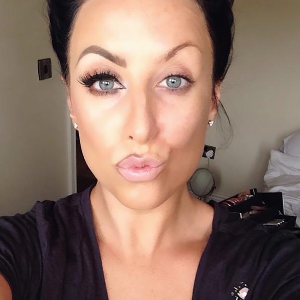 power-of-makeup-selfies-half-face-trend-19__605
