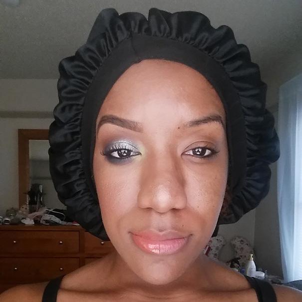 power-of-makeup-selfies-half-face-trend-8__605