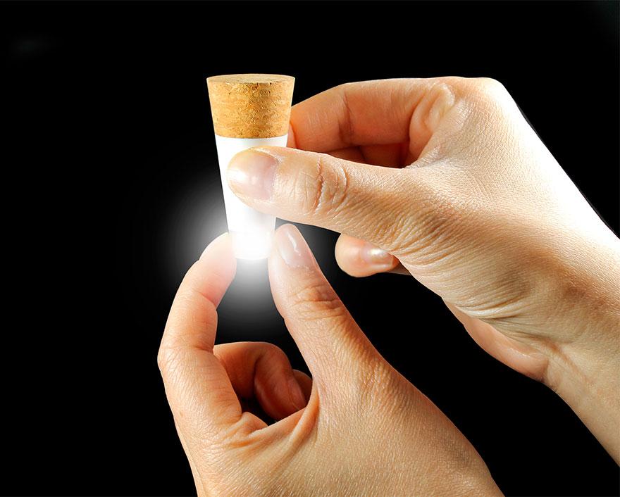 rechargeable-usb-led-bottle-light-suck-uk-1