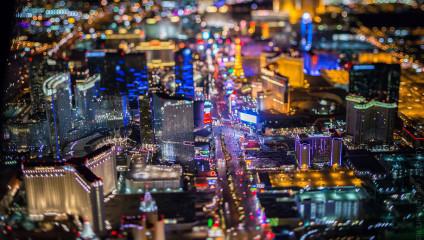 Фотографии ночного Лас-Вегаса с высоты 3000 метров