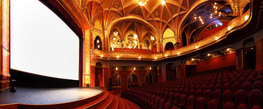Национальный Кинотеатр Урания, Будапешт