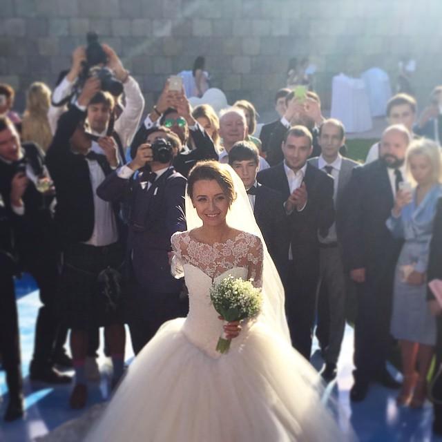 wedding-photos-follow-me-to-couple-murad-osmann-natalia-zakharova-23