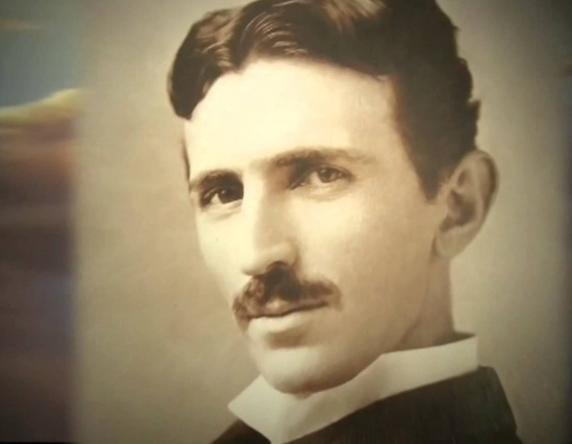 Возможно, самый великий ученый в истории человечества, имя которого только сейчас становится известно большинству. Тесла опередил свое время на несколько веков вперед. Интернет, телефон, телевизор, радио и многое-многое другое - это результаты его работы.