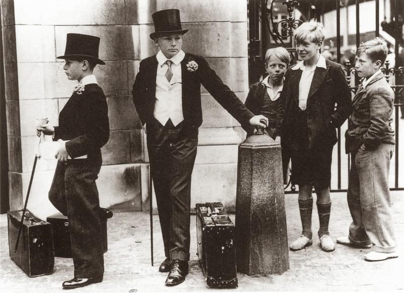 Фотография, иллюстрирующая классовое расслоение в довоенной Англии, 1937 год.