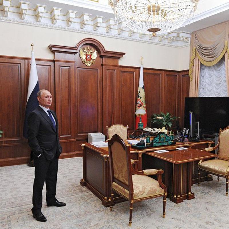 10 рабочих кабинетов лидеров разных стран