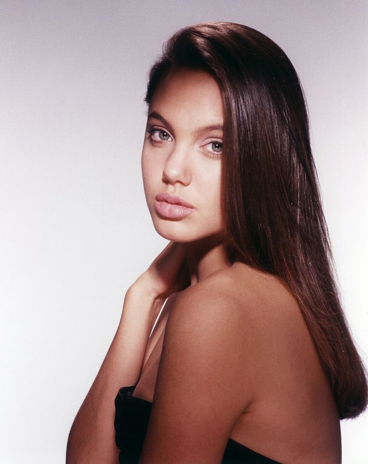 Анджелина Джоли. 1989 год