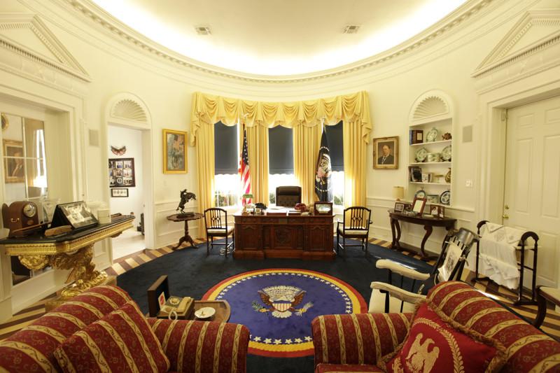 Рабочий кабинет президента США