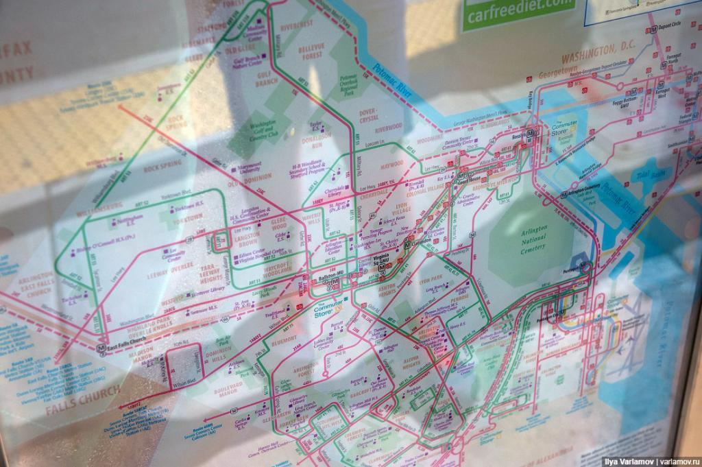 С большим трудом в городе удалось найти схему маршрутов. Выглядит так.
