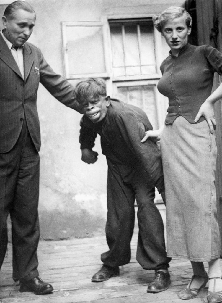 Человек-обезьяна, найденный в джунглях Бразилии, 1937 год.