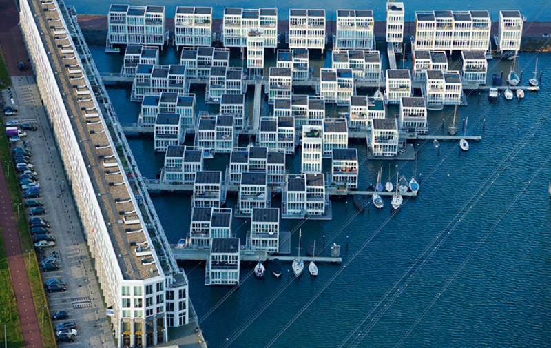 Жилые дома на воде