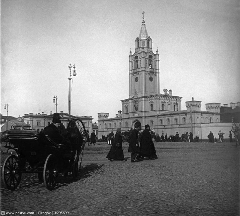 Страстная площадь и не существующий ныне Страстной монастырь.