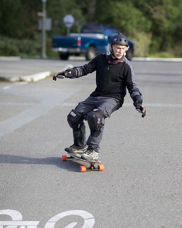78-летний скейтбордист Ллойд Хан