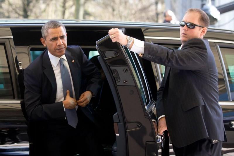 Дверь в автомобиле Обамы