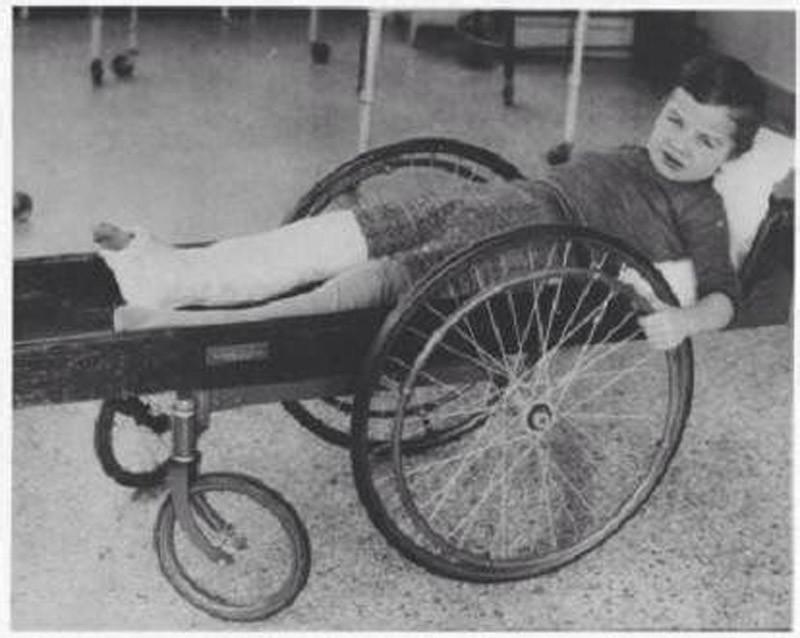 Инвалидная коляска, 1915 год