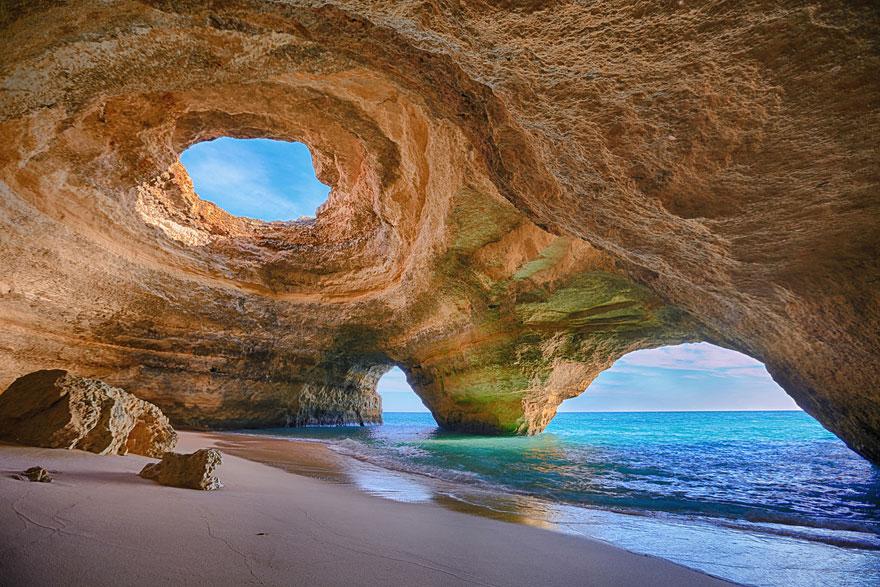 Пляж в Алгарви, Португалия