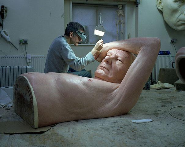 Скульптуры Рона Мьюека