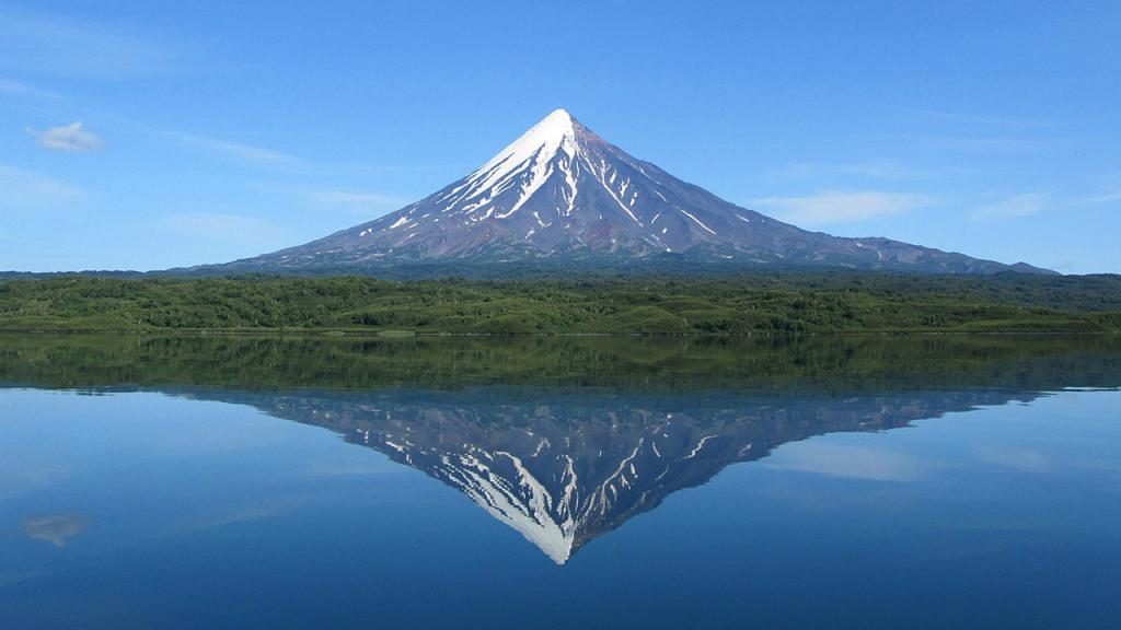 Вулкан Кроноцкая сопка на Камчатке