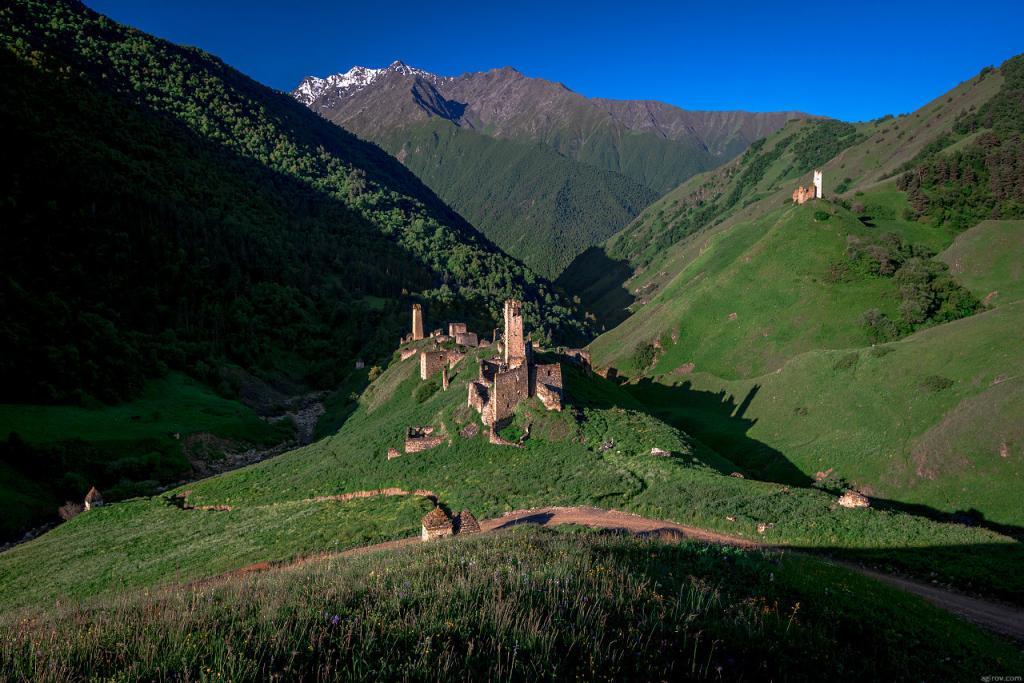 Башни в высокогорном Джейрахском районе Ингушетии