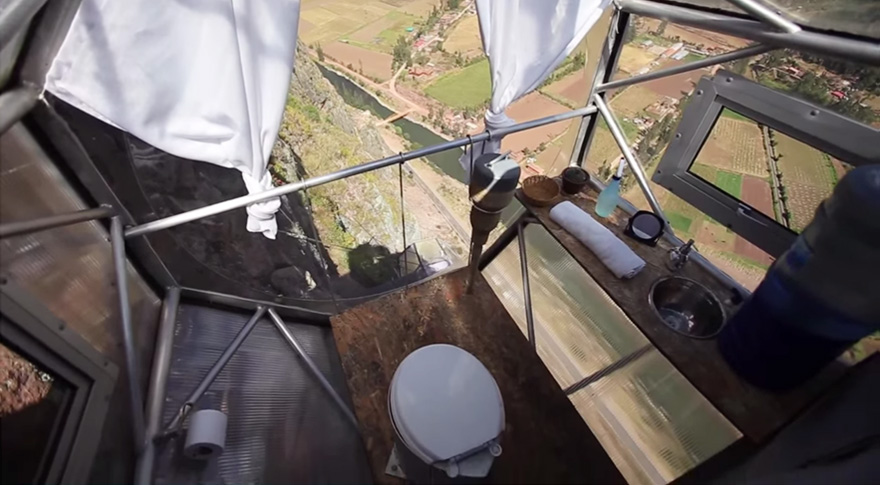scary-see-through-suspended-pod-hotel-peru-sacred-valley-811