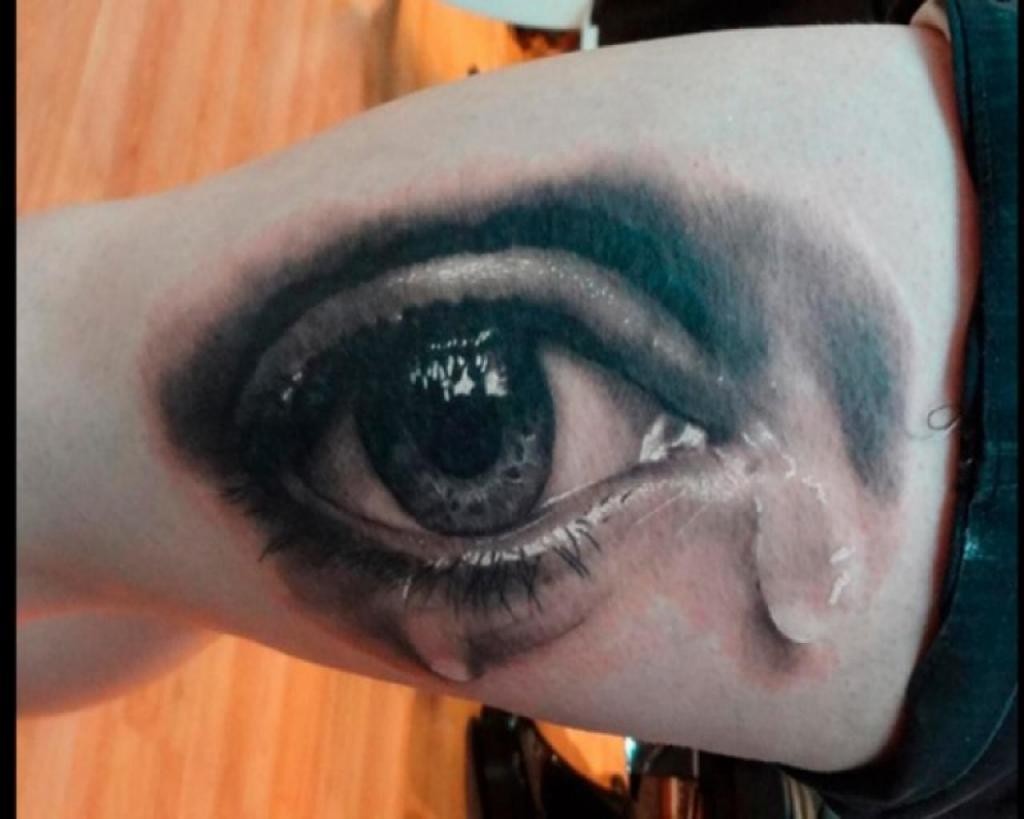 tatuaje_de_un_ojo_llorando-jpg_713527c24beb1d3