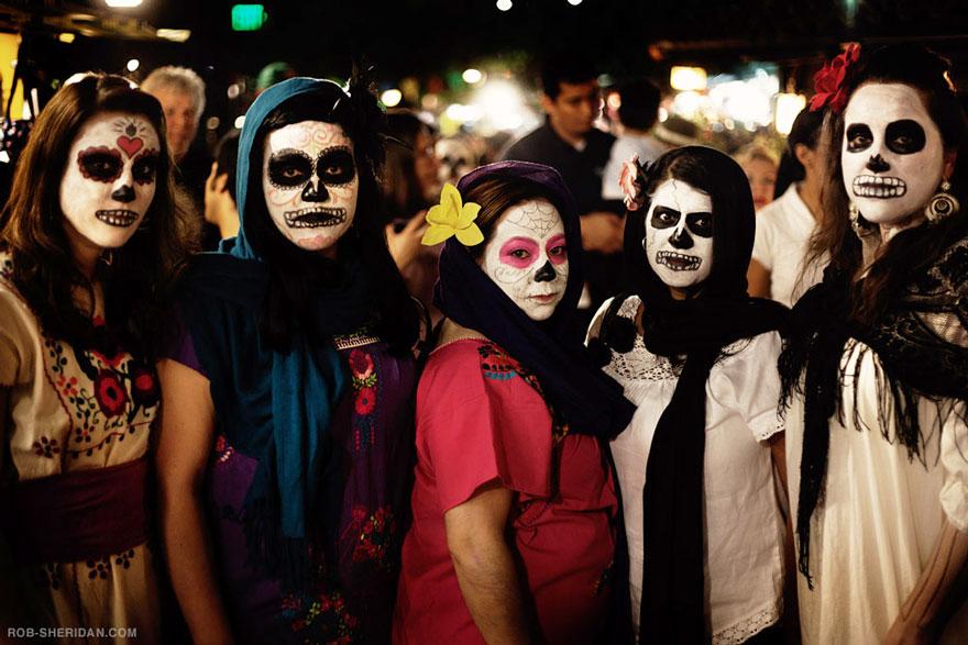 unique-festivals-around-the-world-dia-de-los-muertos-rob-sheridan-3