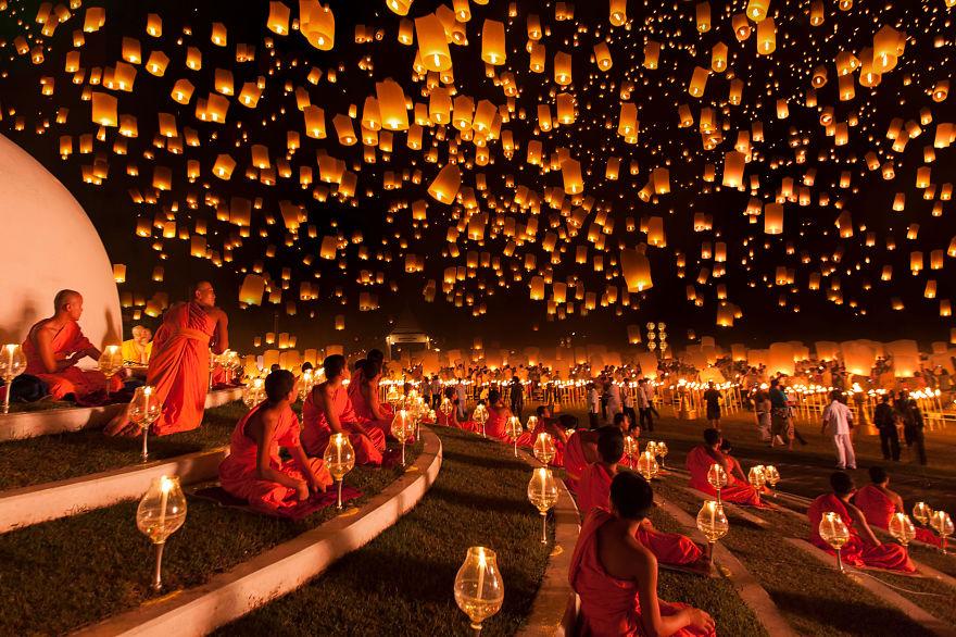 Фестиваль фонарей Йи Пенг, Таиланд