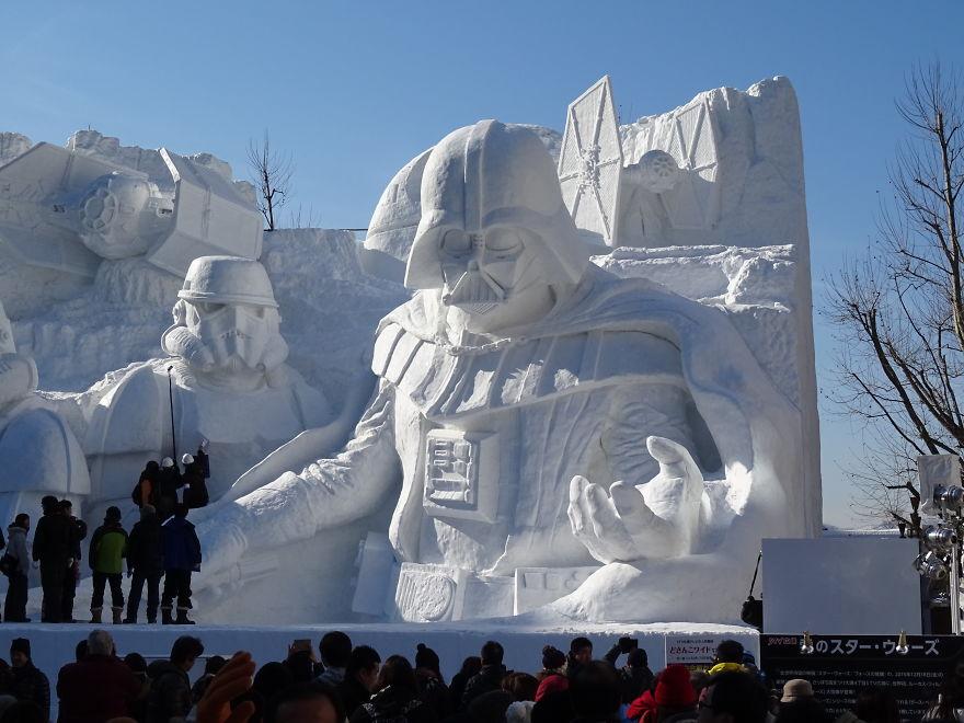 unique-festivals-around-the-world-sopporo-snow-festival-star-wars-snehove-sochy__880