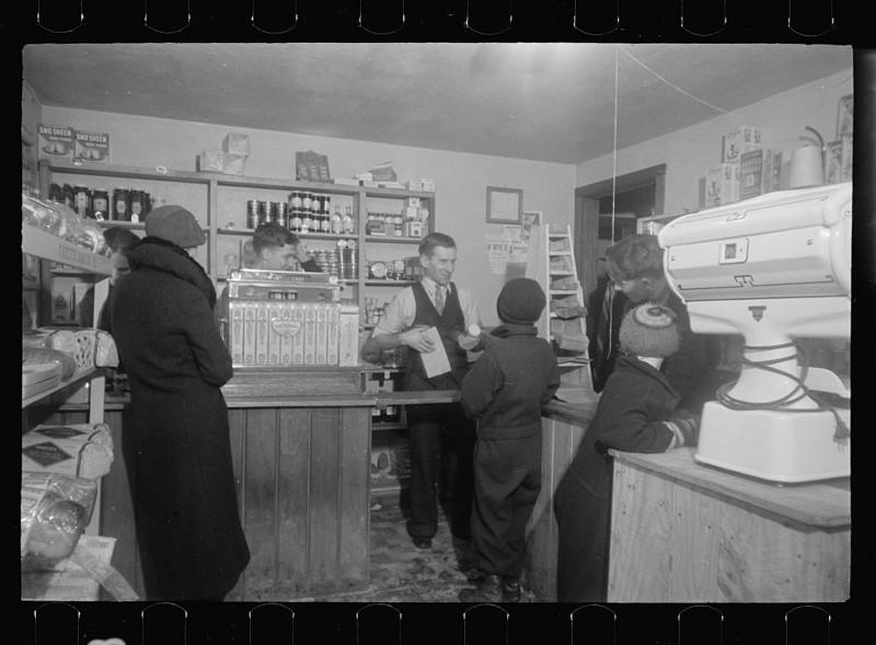 Кооперативный магазин. Вестморелэнд Каунти, штат Пенсильвания. Февраль 1936 года.